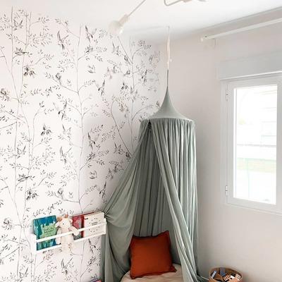 Habitaciones con encanto. Lámpara con 2 puntos de luz disponible en blanco y negro. #iluminacion#decoracion#lamparas#apliques#pantallas#decor#design#homedecor#homedesign#iluminacionbarriosalamanca